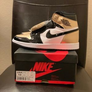 Air Jordan Retro 1 Gold